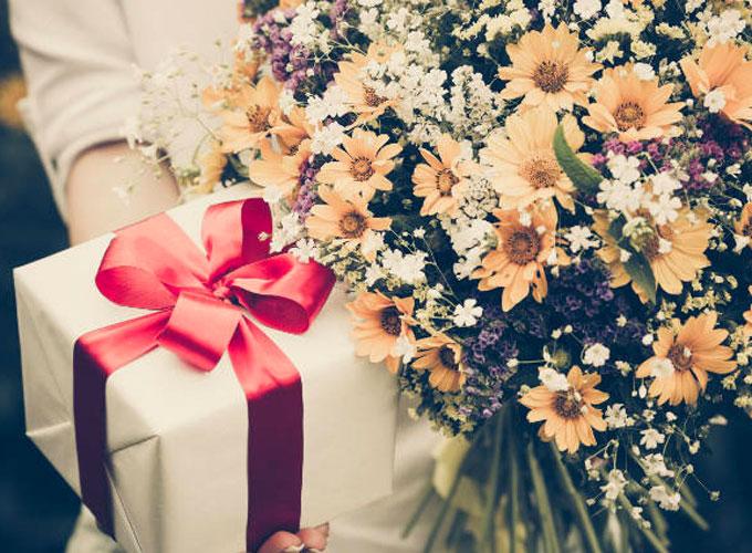 Флористы предлагают букеты